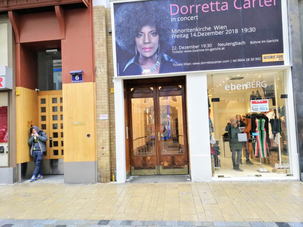 Neubaugasse in Wien - nachhaltig - Eingang zum Laden ebenBERG